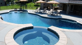 Custom-Freeform-Pool-with-Spa