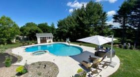Free-form-custom-pool-and-spa