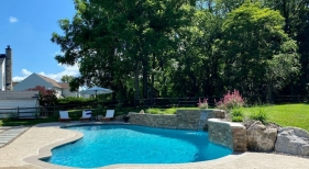 pool-with-boulder-landscaping