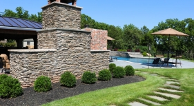 Back-entryway-to-pool