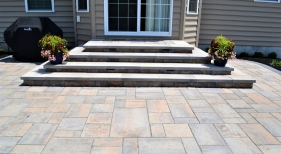 Techo Bloc Mini Creta Steps with Blu 60 pavers