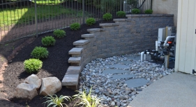 Retaining-Wall-with-Landscaping