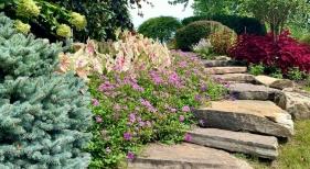 1_Garden-landscape-with-flagstone-steps