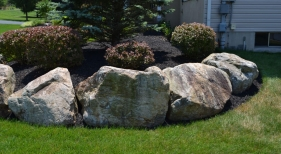 landscaping-with-bolders