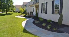 side-yard-landscaping