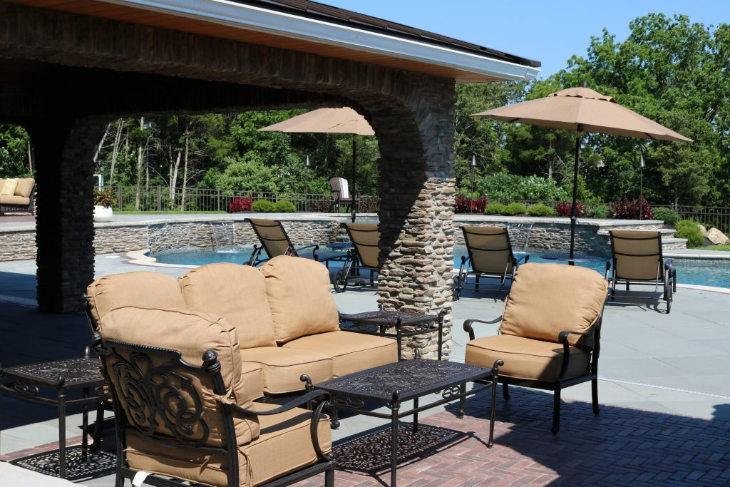 How To Pick The Best Patio Set For Your Budget